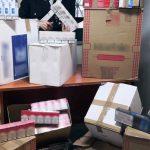 Nasconde 61 chili di sigarette di contrabbando tra pasta e latte nel furgone, arrestato dai carabinieri