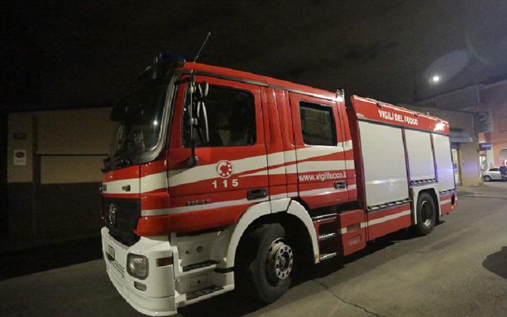 Arrestato dalla polizia a Volla (Napoli) un 30enne per incendio doloso, il giovane aveva appiccato il fuoco all'appartamento della madre