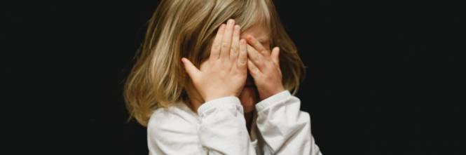 Castellammare di Stabia (Na): abusata a 10 anni da un branco di minorenni. Avrebbero fatto un video con i telefonini, indagini in corso della Polizia. Il fatto è avvenuto a Boscoreale