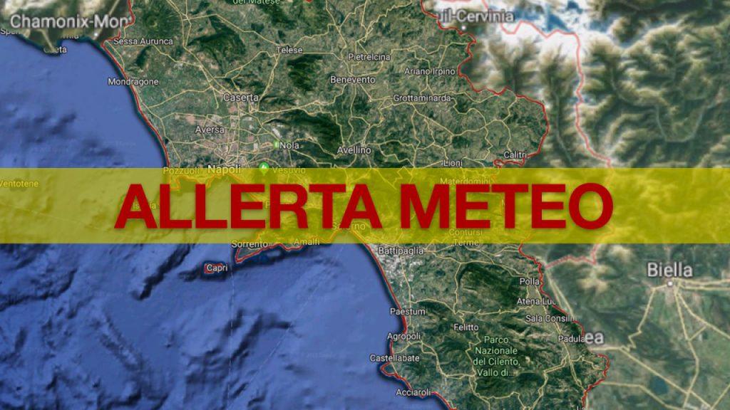 Campania, la Protezione Civile prolunga l'allerta meteo fino alle 6 di domenica mattina, previsti venti forti occidentali con possibili mareggiate lungo le coste