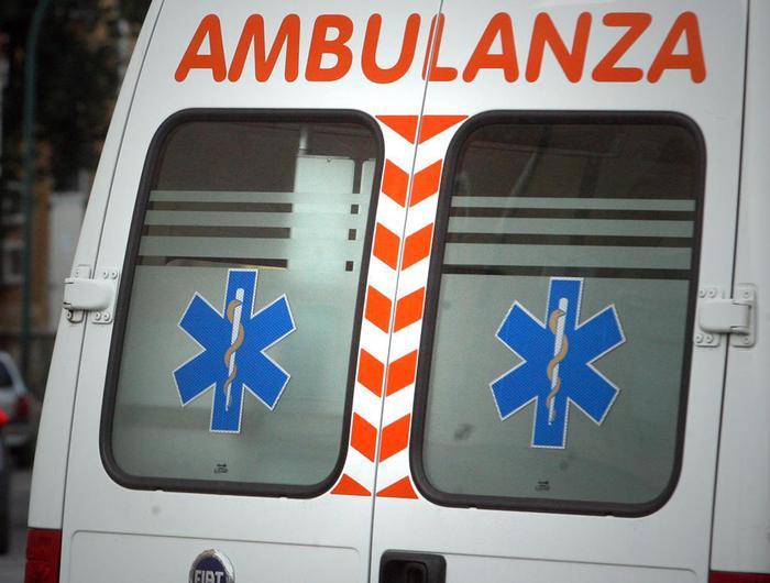 Napoli: lite fra extracomunitari ieri sera a poca distanza da via Foria, due feriti ricoverati in ospedale. Indaga la Polizia