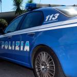 Napoli: un ragazzo di 15 anni è stato ferito con un coltello per futili motivi da coetanei a Napoli in piazza Plebiscito. Il suo racconto dei fatti è al vaglio della Polizia