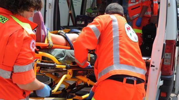 Coppia di giovani trovati in fin di vita allo stadio comunale di Marano di Napoli, la ragazza è deceduta poco dopo l'arrivo dei soccorsi, il giovane è ricoverato in ospedale in gravi condizioni