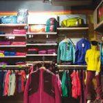 Con i saldi estivi più di 12mila posizioni aperte nel retail in Italia, oltre 600 in Campania. Abbigliamento e cosmetici fanno la parte del leone