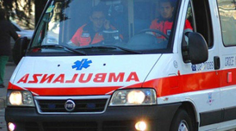 Un uomo è stato azzannato e gravemente ferito da un pitbull a Padula (Salerno), la ferita ricucita con cinquanta punti di sutura