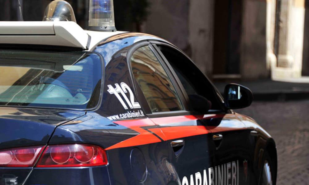 Napoli: ai Quartieri Spagnoli una festa con neomelodico è stata interrotta dai Carabinieri. Si trattava di un onomastico di un bambino, con circa 50 persone. Scattate le sanzioni anti-covid