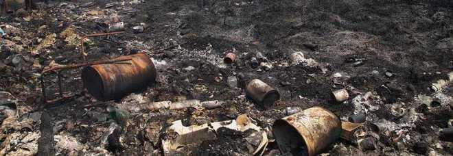 Giugliano (Napoli), sorpreso ad incendiare rifiuti di ogni genere nel suo terreno, 71enne arrestato dai carabinieri