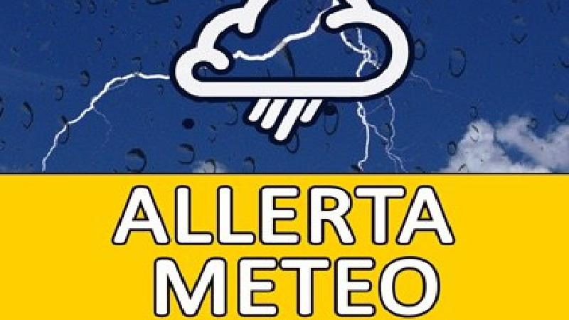 Allerta meteo di colore giallo emanato dalla Protezione Civile della Regione Campania per 24 ore, precipitazioni sparse, temporali e possibile raffiche di vento