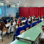 Campagna di prevenzione sui danni provocati dall'uso dei fuochi d'artificio, i carabinieri incontrano gli alunni di una scuola elementare di Nola (Napoli)