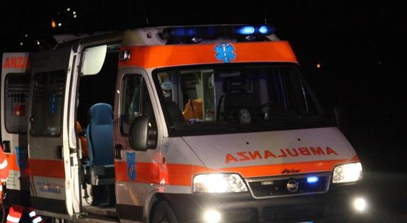 Napoli: 15enne muore investita da un'auto mentre attraversava la strada, ferita l'amica di 14 anni, sotto shock il conducente della vettura che procedeva a velocità sostenuta