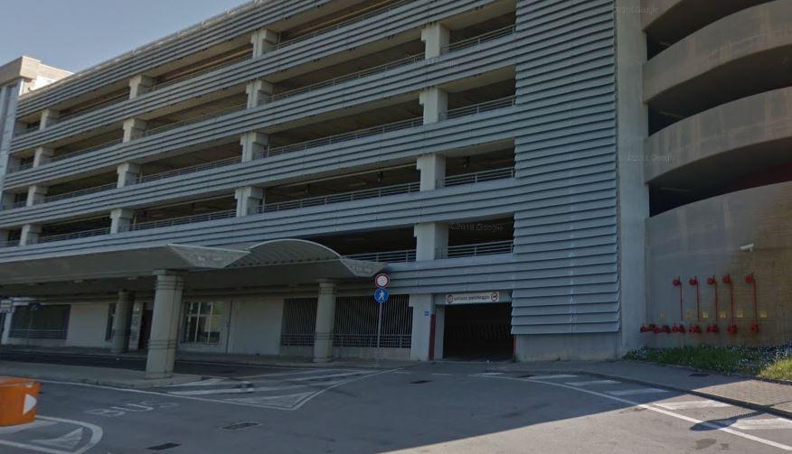 Tragedia al Campus dell'Università di Salerno, 30enne si lancia dal parcheggio multipiano e muore, da alcuni anni non era più iscritta all'Ateneo