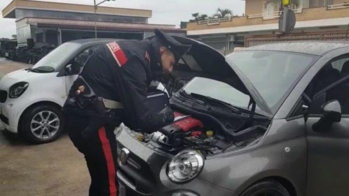 """Quattro arresti e 41 indagati tra Napoli e Caserta nell'indagine su auto rubate, """"ripulite"""" e rivendute per un giro d'affari da 2mln di euro"""