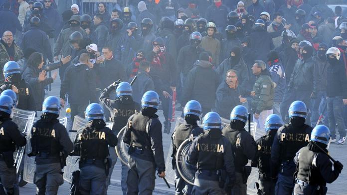 Provvedimenti di divieto di accesso alle manifestazioni sportive: 13 daspo emessi dal Questore di Napoli per periodi da uno a due anni