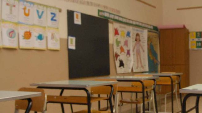 Scuola: continua in Campania fino al 7 dicembre la sospensione dell'attività didattica in presenza, in aula per ora solo alunni degli asili e della prima elementare