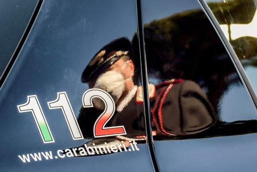 Servizio di controllo dei carabinieri a Napoli nei quartieri Forcella e Mercato, sequestrati sette veicoli e denunciati due stranieri irregolari