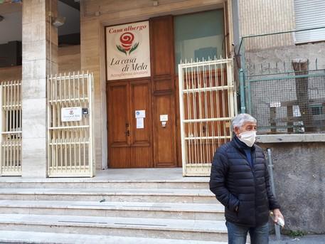 Napoli, trasferiti in ospedale gli ospiti della casa di ...