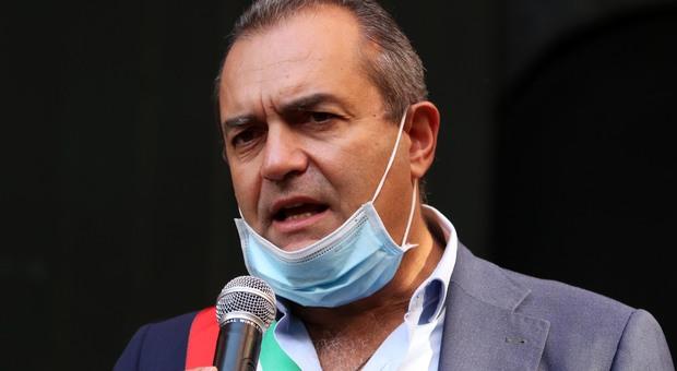 """Covid: il sindaco di Napoli parla di ritorno alla zona rossa: """"Con l'aumento dei contagi sono probabili nuove misure, mi auguro periodo limitato"""""""