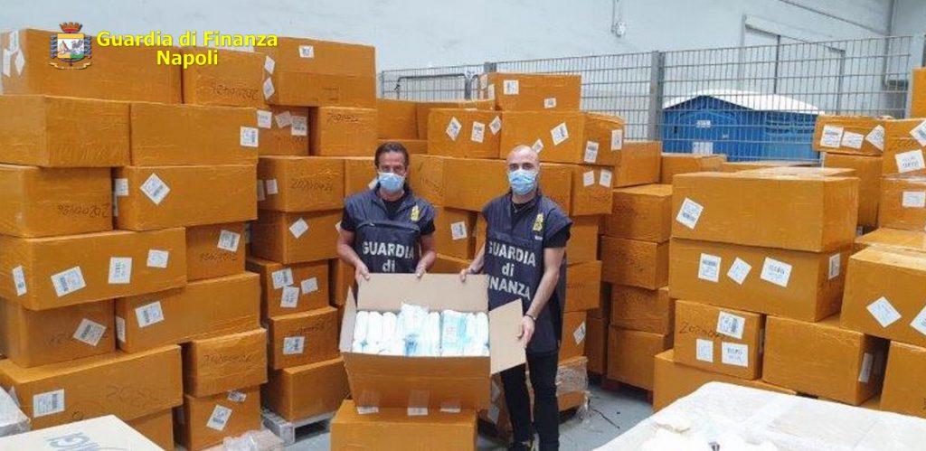 Maxi sequestro di mascherine da parte della Guardia di Finanza di Napoli perchè prive dei requisiti previsti dalle norme vigenti