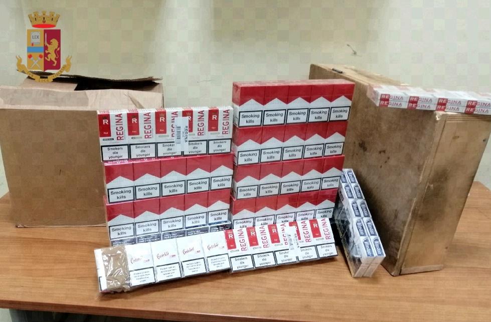 Napoli, 40enne sanzionata dalla polizia, durante un controllo gli agenti hanno rivenuto nell'abitazione 120 pacchetti di sigarette di contrabbando