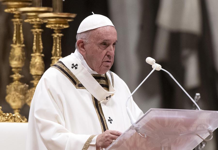 Papa Francesco ha nominato tre nuovi vescovi ausiliari per la diocesi di Napoli. Sono Francesco Beneduce, Michele Autuoro e Gaetano Castello