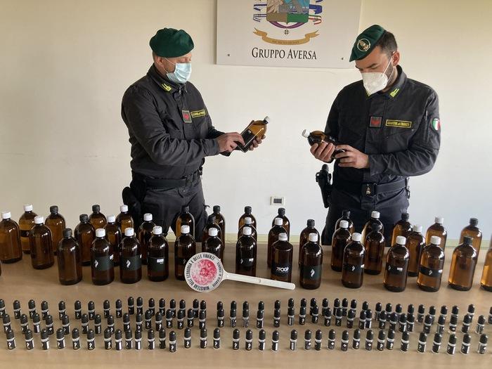 Fabbrica abusiva di liquido per sigarette elettroniche scoperta dalla Guardia di finanza ad Aversa (Caserta), il gestore percepiva il reddito di cittadinanza