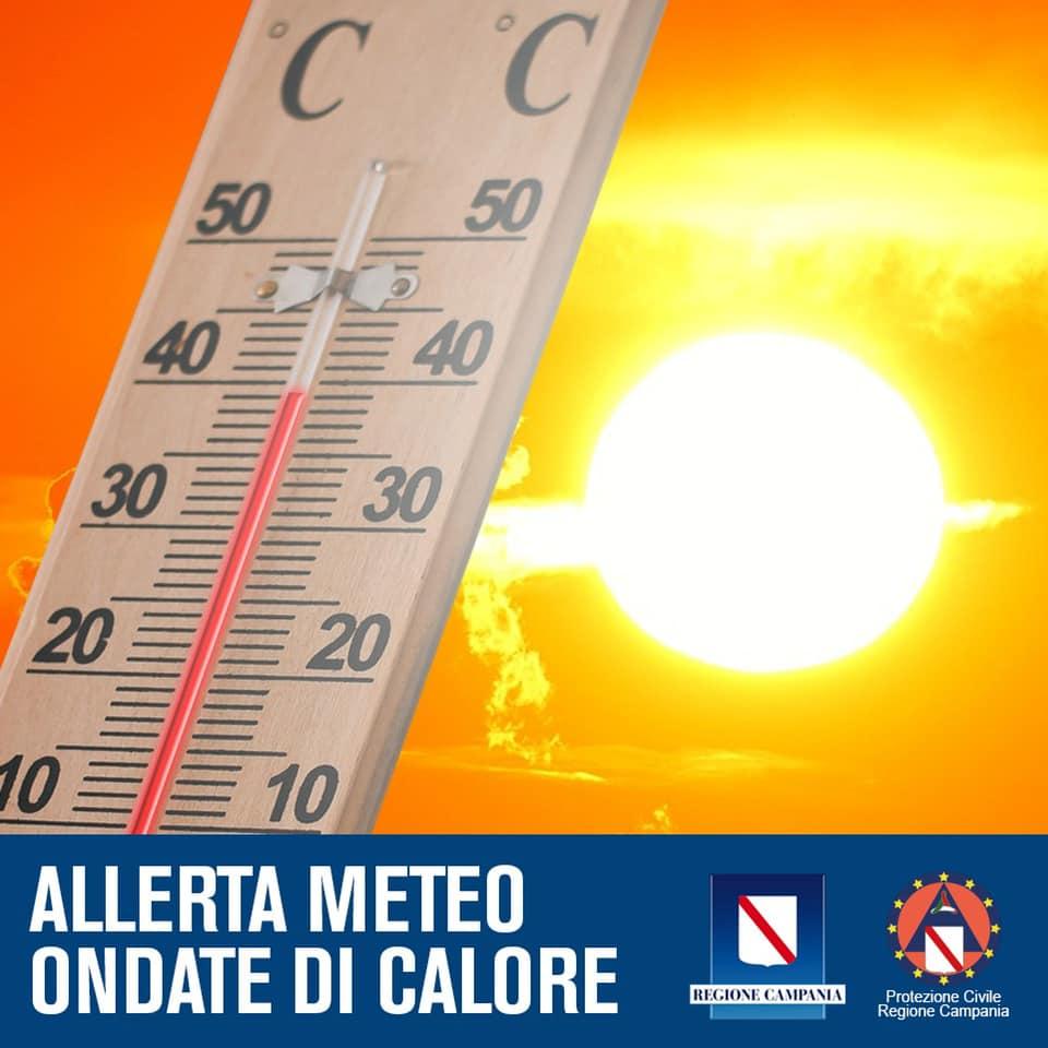 """Gran caldo sulla Campania: la Protezione Civile regionale ha emanato un avviso di criticità per rischio meteo da """"ondata di calore"""" da martedì mattina a giovedì sera, temperature previste fino a 8 gradi sopra la media"""
